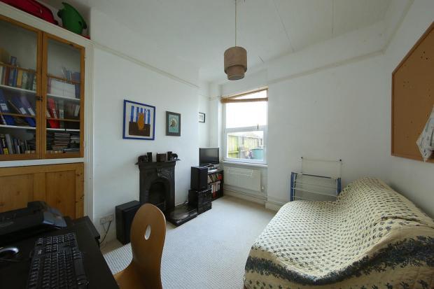 74 Llanfair Rd 1545.