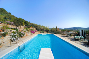 Semi-detached Villa for sale in Balearic Islands...