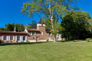 Stately Home in Midi-Pyr�n�es...