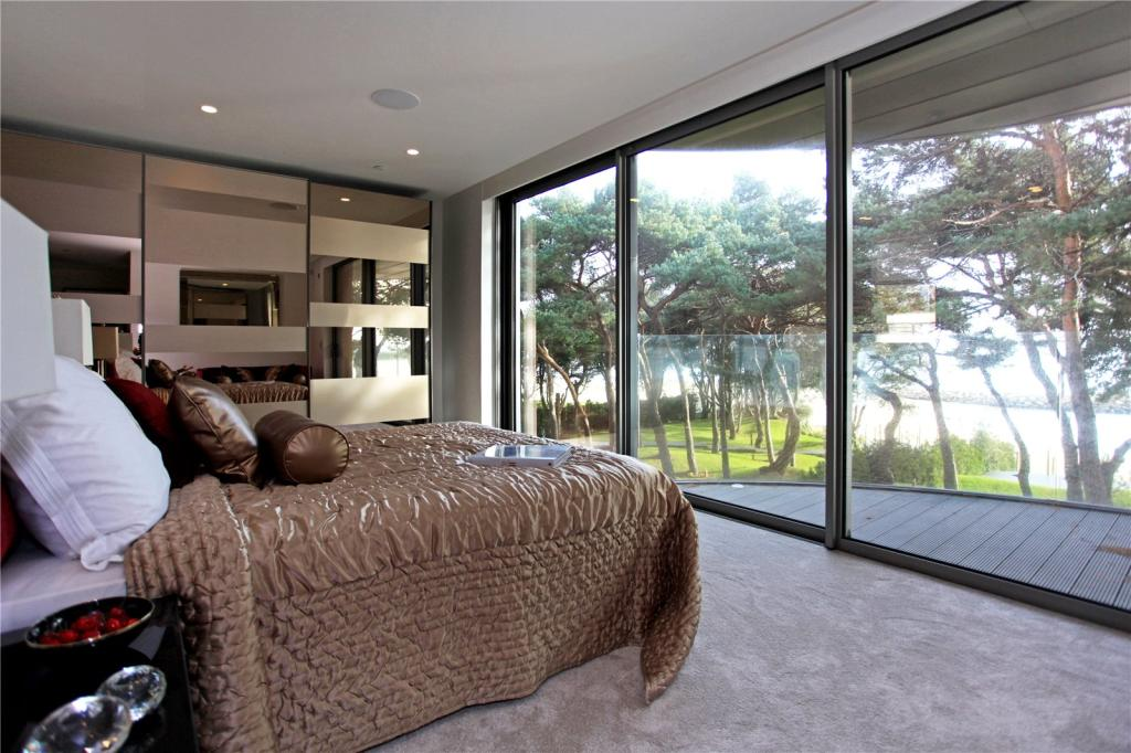 Terence O\'Rourke,Master Bedroom