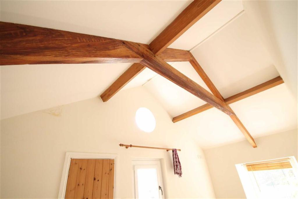 Vaulted Ceiling Bedr