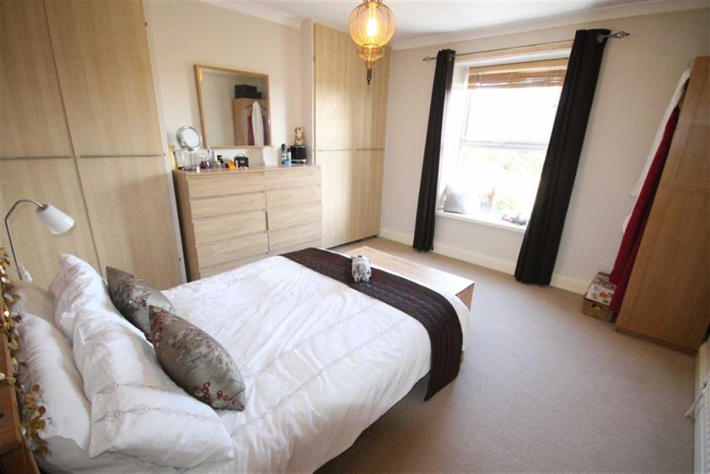 Bedroom 1 (Rear)