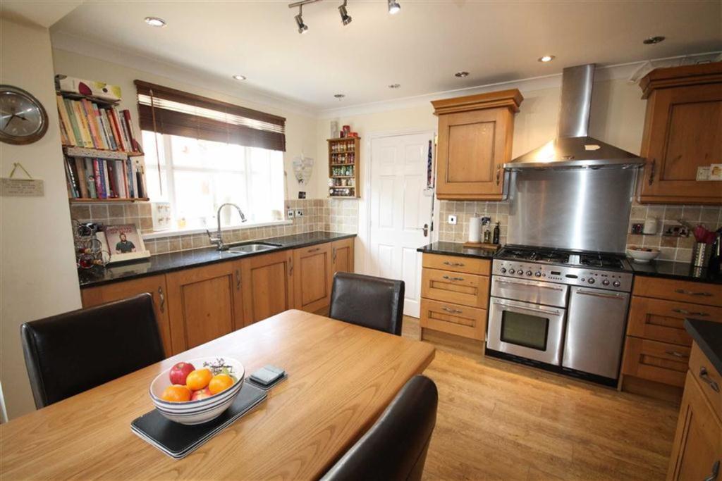 Further Kitchen Imag
