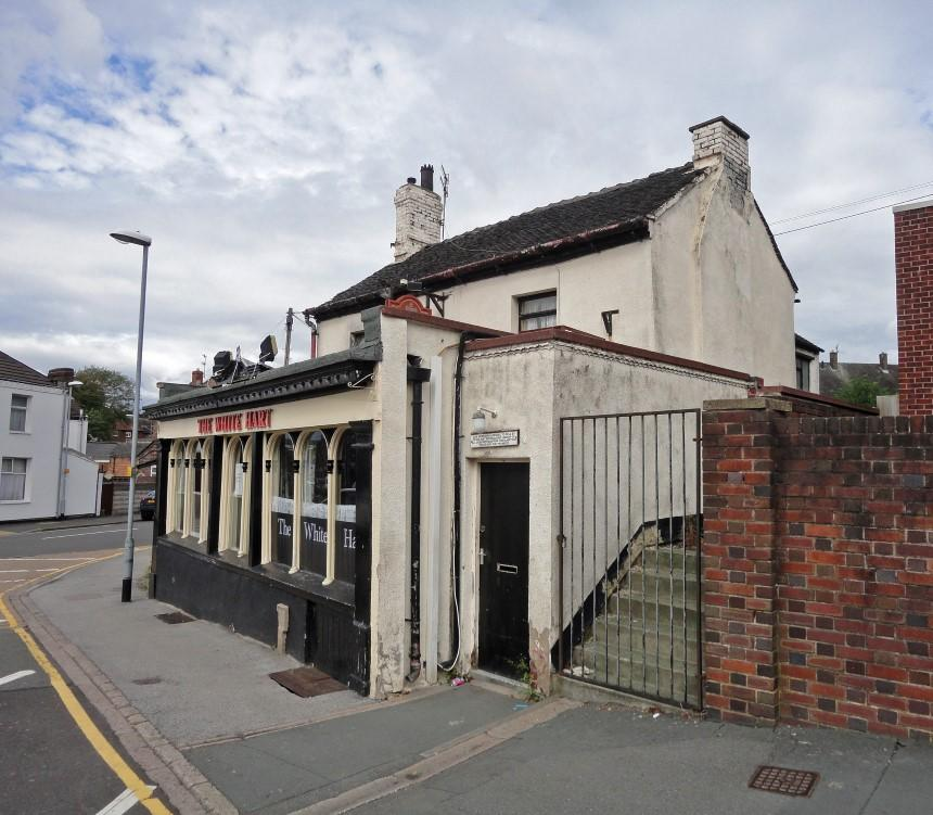 2 Bedroom Pub For Sale In The White Hart Public House