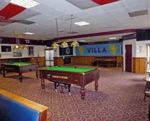 Enkelt bar hall Saale