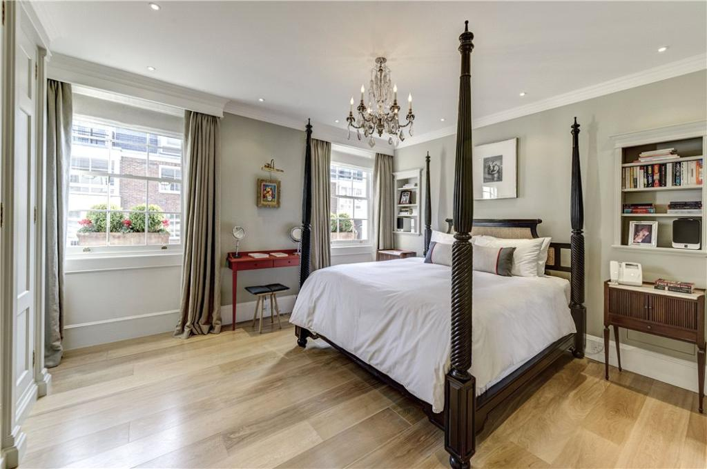 5 bedroom house for sale in ebury street belgravia for Homes with master bedroom on first floor for sale