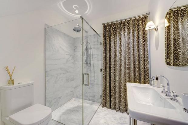 Shower Room SW1