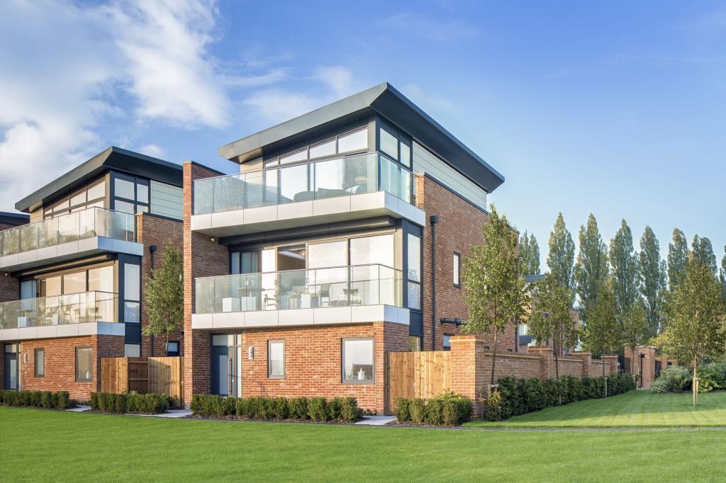 4 bedroom detached house for sale in newbury berkshire newbury rg14 7nz rg14