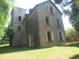 Character Property in Midi-Pyrenees, Aveyron...