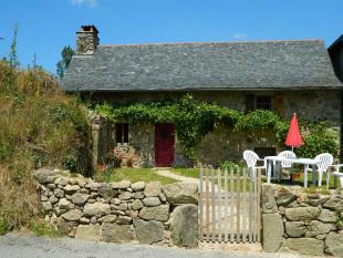 2 bed Detached home for sale in Midi-Pyrenees, Aveyron...