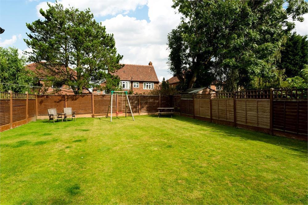 4 Bedroom Semi Detached House For Sale In Westlands Grove