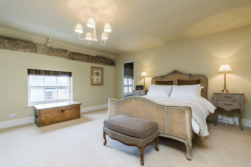 6 bedroom property for sale in high farm house main street for Georgian farmhouse interiors