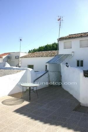 2 bedroom Terraced property in Andalusia, Granada, Loja