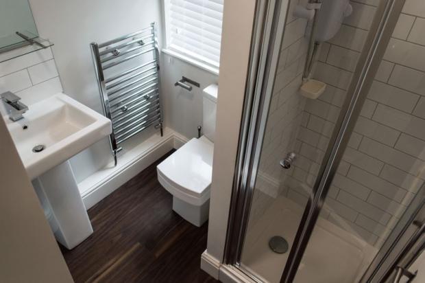 Toilet/Shower ...