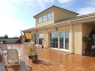 4 bed Apartment for sale in Cabopino, Malaga, Spain