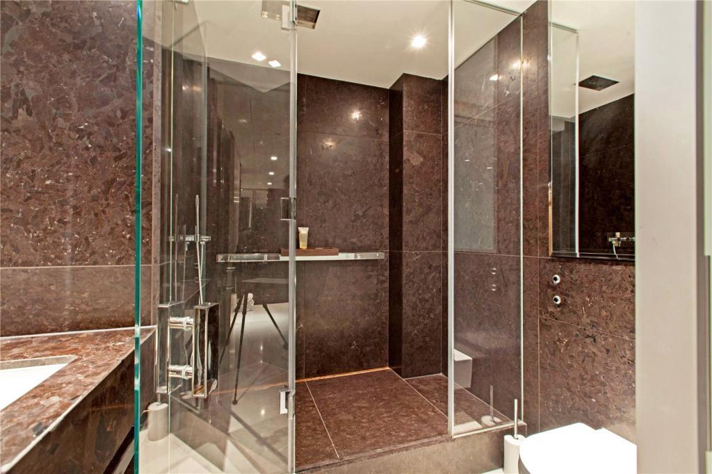 Pan Peninsula,Bathroom