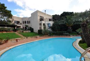 4 bedroom Detached Villa in Madliena