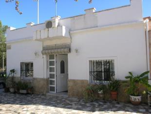 Villa for sale in Marxuquera, Valencia...