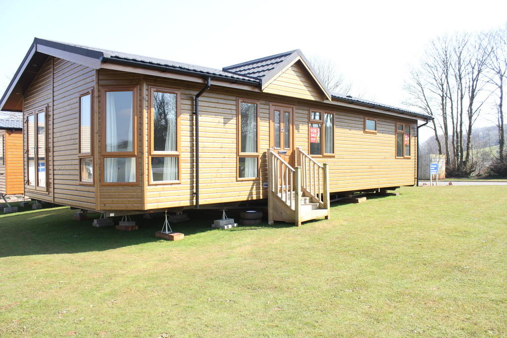 2 Bedroom Mobile Home For Sale In Devon Hills Holiday Village Totnes Road Tq4