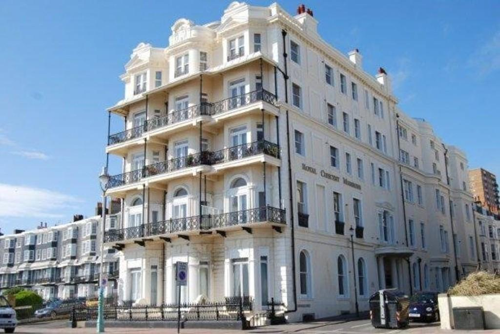 2 Bedroom Apartment To Rent In Royal Crescent Mansions Brighton Bn2