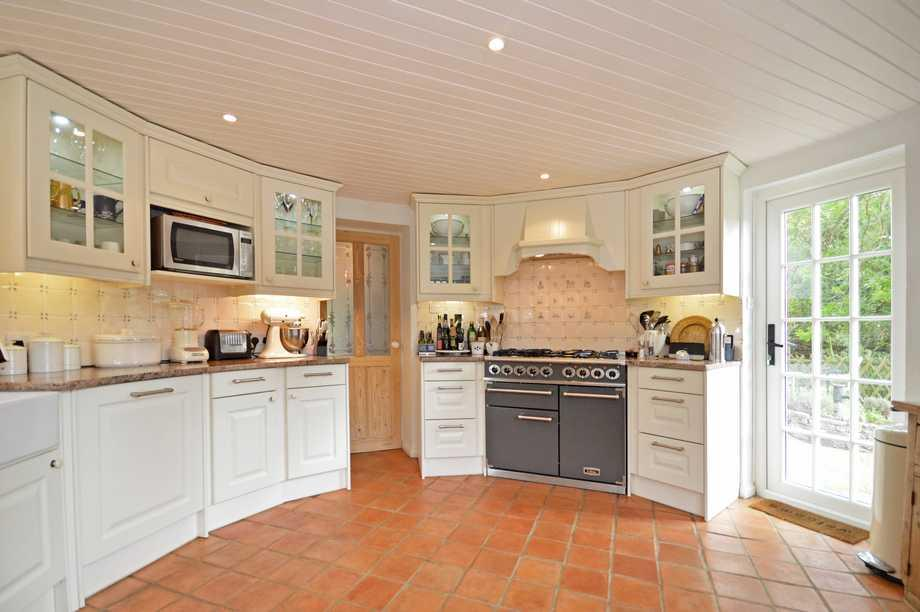 Roundel Kitchen