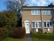 2 bedroom End of Terrace property in Meadbrook Gardens...