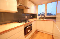 2 bed Apartment to rent in Brownlow Road, London, N3