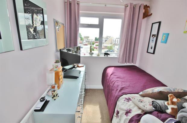 Bedroom Thre Pine Tr
