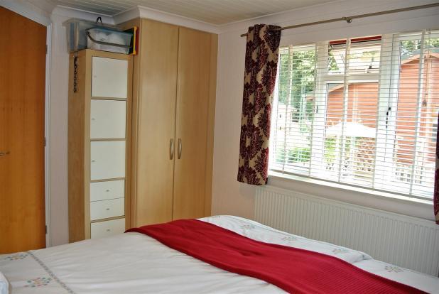 Bedroom 2 alt.JPG