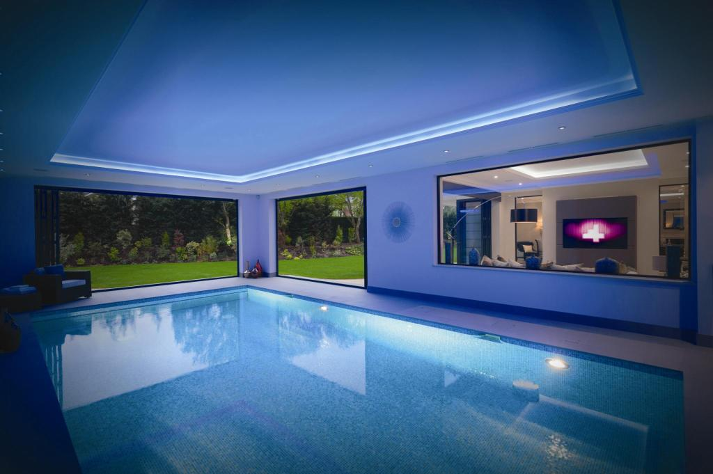 6 bedroom detached house for sale in montrose gardens for 6 bedroom house with swimming pool for sale