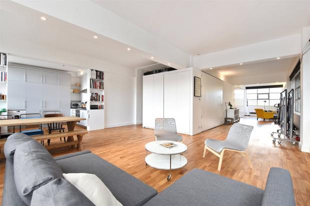 Kitchen/Living Area2