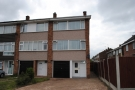 Town House to rent in Cowdray Way, Elm Park