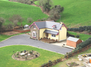 3 bedroom Detached property for sale in Cork, Ross Carbery
