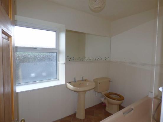 HOUSE BATHROOM: