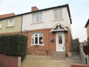 Town House for sale in Upper Ettingshall Road...