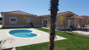 4 bed Detached Villa in Guia, Algarve