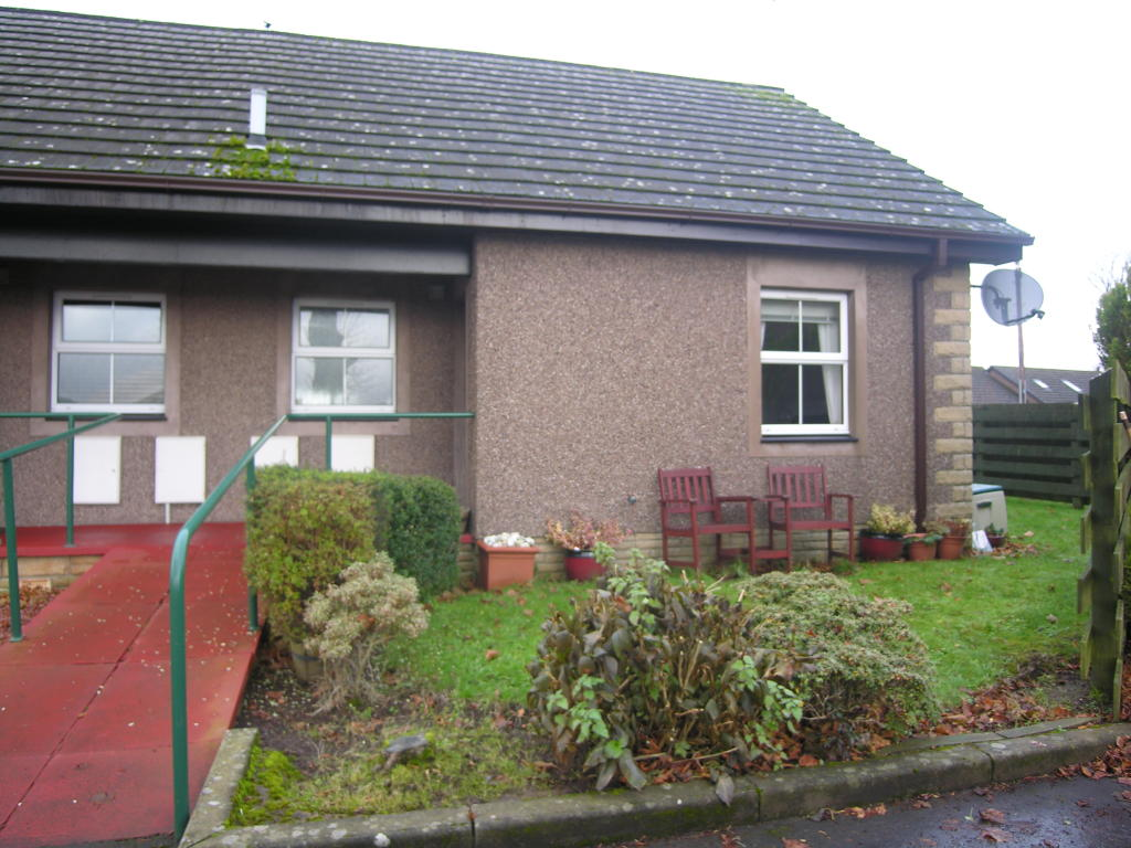 1 Bedroom Semi Detached Bungalow For Sale In 1 Gallowhill