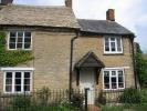 2 bed Character Property in Queen Street, Bampton...