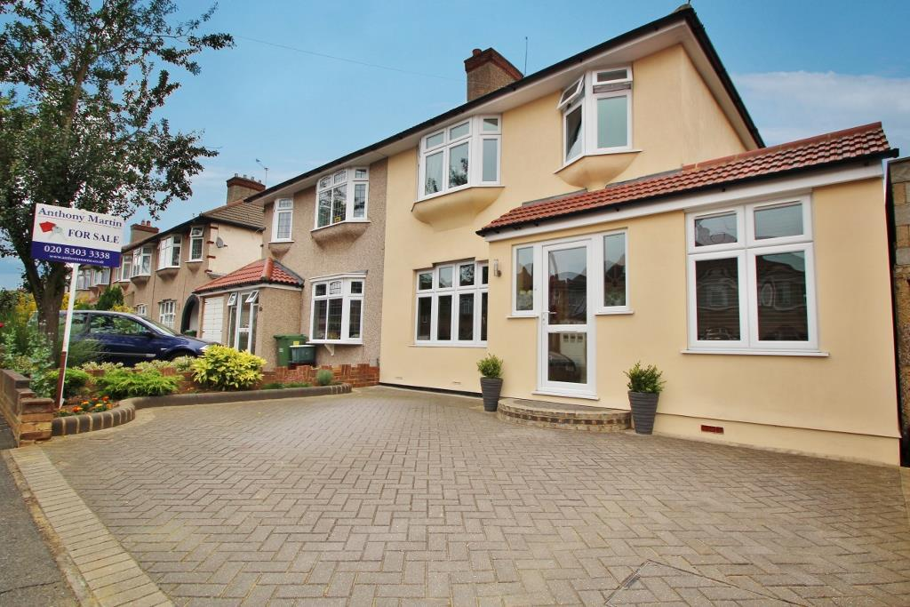 4 bedroom semi detached house for sale in berkeley avenue for J pickford bathrooms