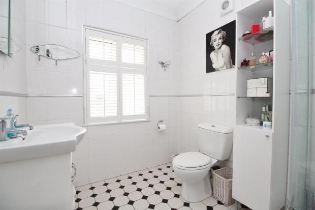 1F Shower Room