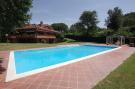 7 bed Villa for sale in Largo Dell Olgiata, 15...