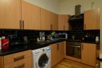 3 bed Flat in Hyde Terrace, Leeds...
