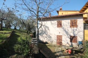 2 bedroom semi detached house in Tuscany, Pistoia...