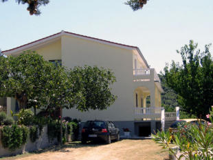 4 bed semi detached home for sale in Kvarner-Istria, Rab,