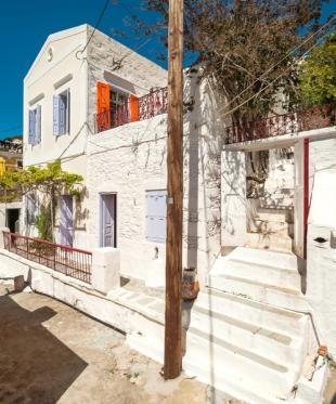 4 bedroom Terraced property in Dodekanes Inseln, Symi,