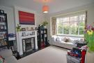 3 bed house in Bolton Road, W4