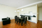 Flat to rent in Frederick Street, Luton...