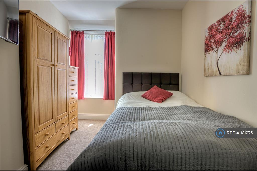 Lovely Clean Room, Quiet And Great Storage