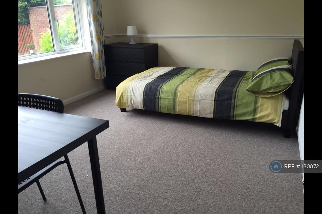 Non En Suite Room - 4m x 4m