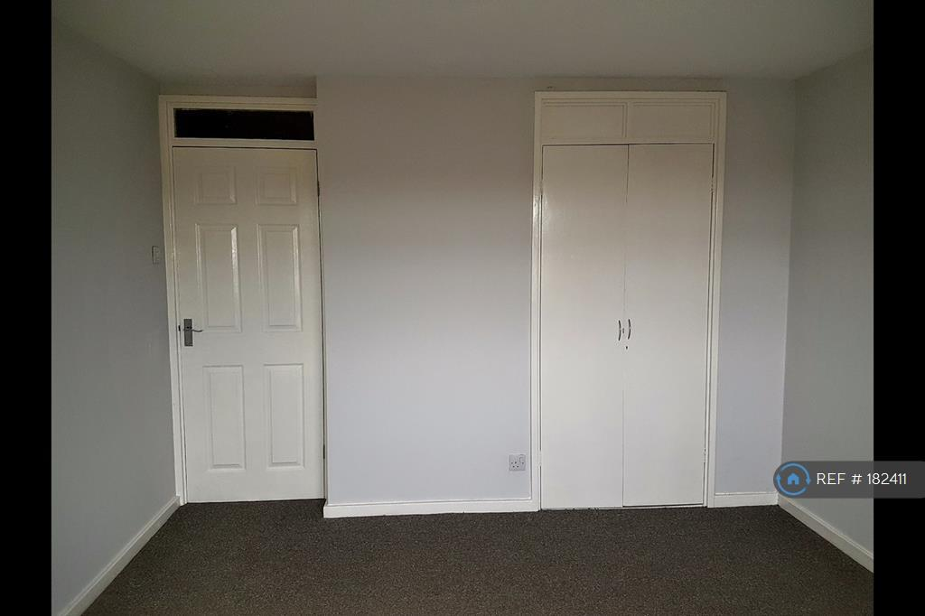 Master Bedroom With Built In Wardrobe